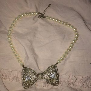 Pearl Bow Necklace